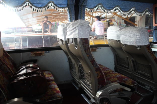 going to Vientiane by bus in Laos