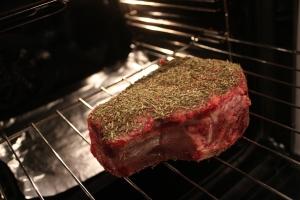 côte de bœuf goes to oven