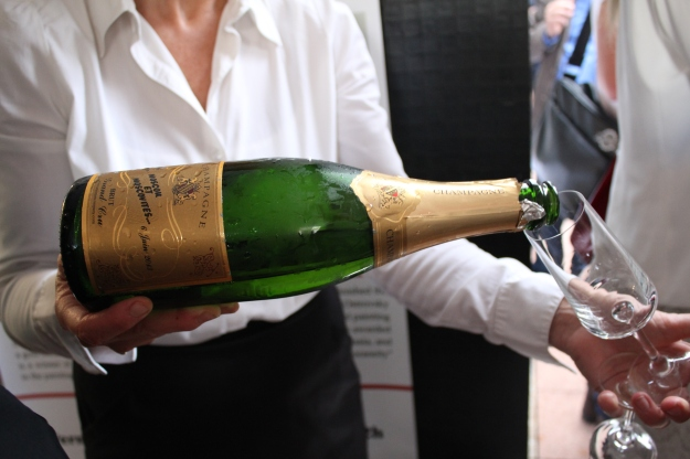 personalized champagne