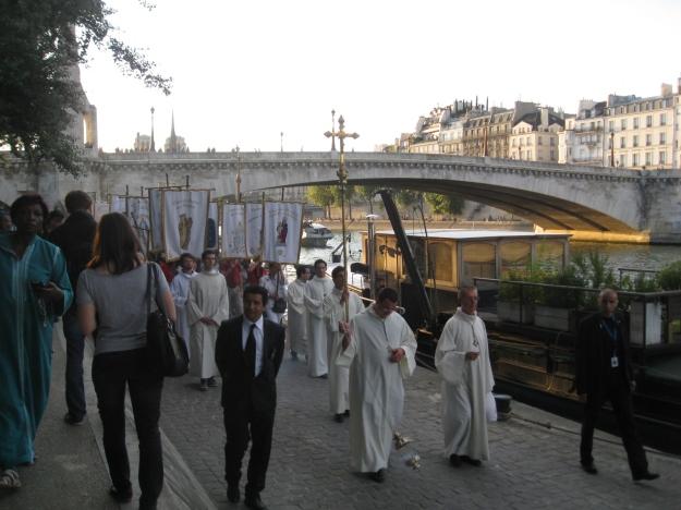 Procession Notre Dame
