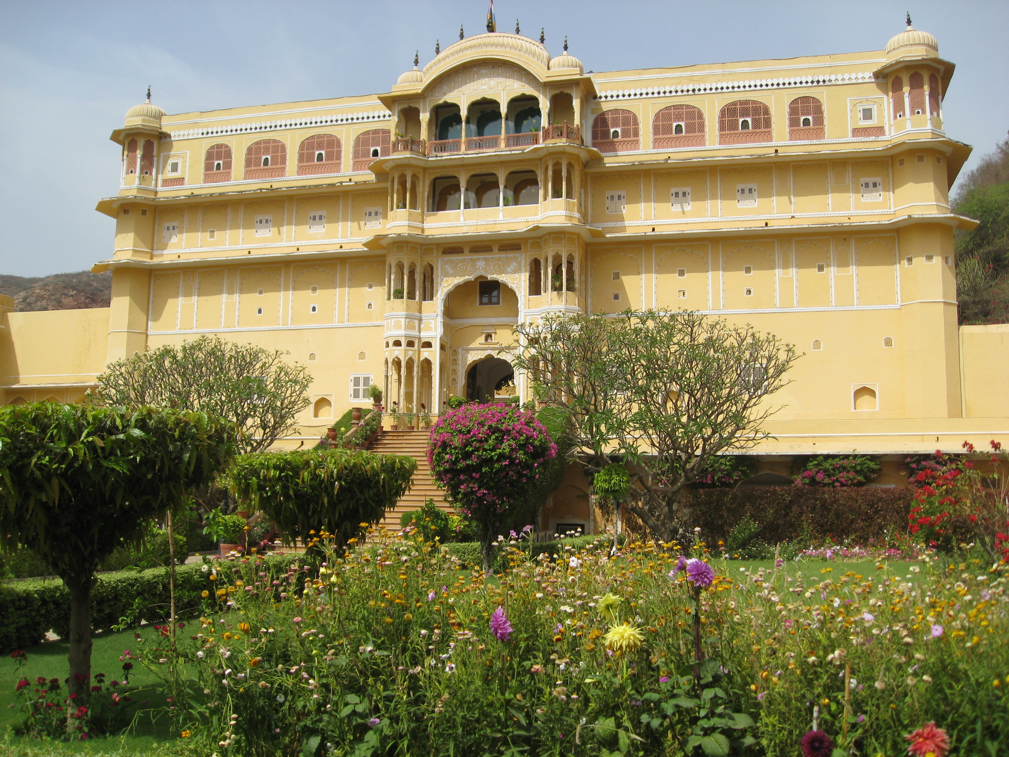 Samode palace live like a maharaja pearlspotting Home architecture in jaipur
