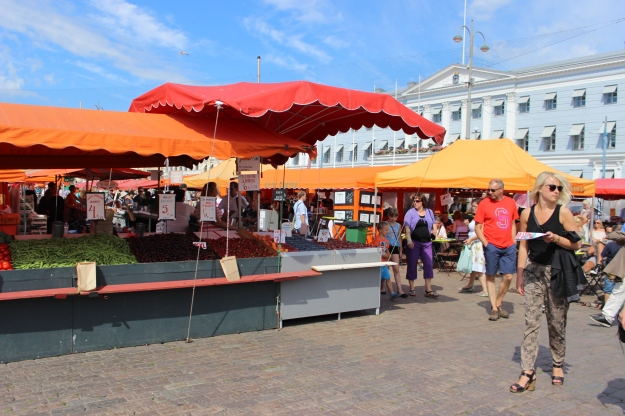 The Market Square is located on prime location by the sea, next to the Town Hall of Helsinki and the Presidential Palace.