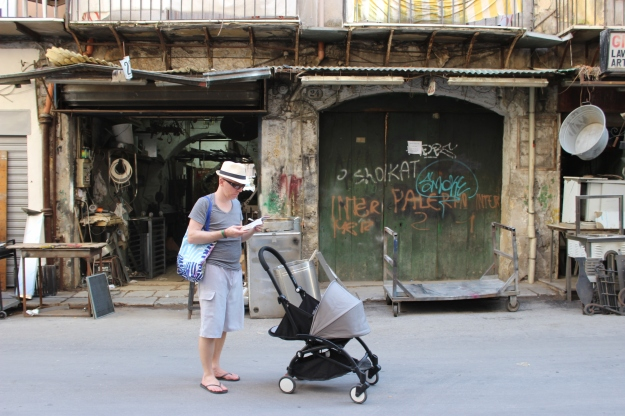 Only crazy tourists in Palermo with an ultra-Parisian stroller? (ok, we had a baby carrier too)